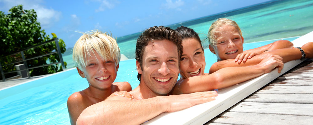 timeshare-ownership-family-in-pool